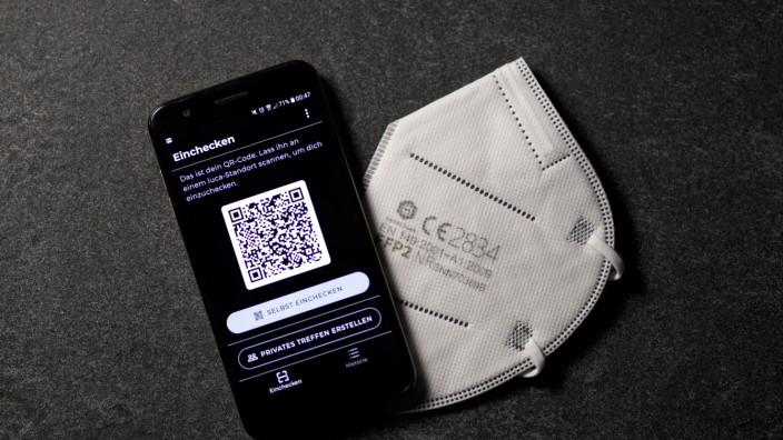 Die Nutzeroberfläche der App Luca wird auf einem Handy angezeigt. Die Corona-App steht in Konkurrenz zur Corona-Warn-Ap