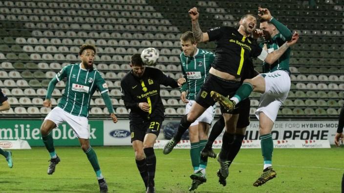 Fussball I Herren I Saison 2020/2021 I 3. Liga I 23. Spieltag I VfB Lübeck - TSV 1860 München I 17.03.2021 Strafraumsze