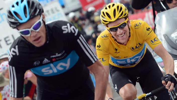 PEYRAGUDES FRANCE British Christopher Froome of Sky Procycling Team and British Bradley Wiggins; imago 0033594043