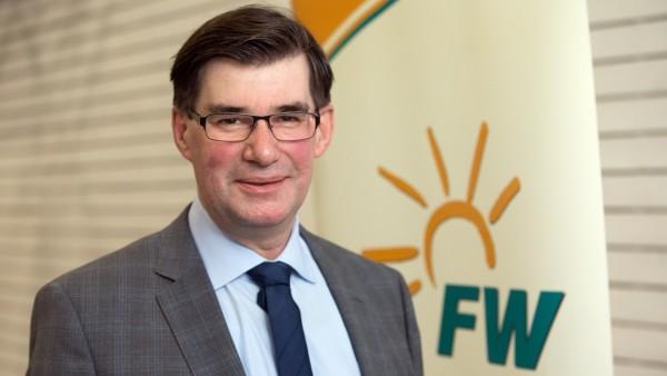 ALLERSHAUSEN: Nominierung Bundestagskandidat KARL ECKERT (Freie Wähler / FW) - Ampertalhalle