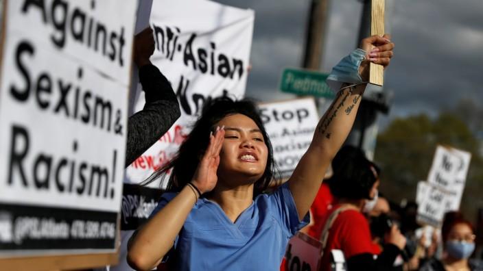 USA: Demonstration nach dem Amoklauf in Atlanta, Georgia