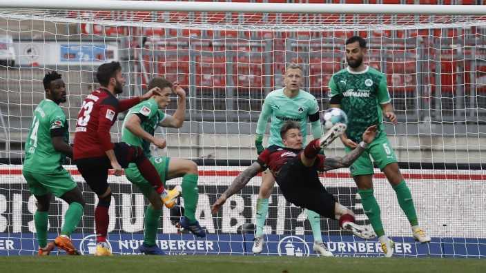 Deutschland, Nuernberg, Max-Morlock-Stadion, 29.11.2020, emspor, despor, 1. FC Nuernberg vs. SpVgg Greuther Fuerth, Fuss
