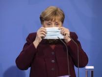 Deutschland, Berlin, Bundeskanzleramt, Pressekonferenz mit Bundeskanzlerin Angela Merkel CDU im Anschluss an die Besprec
