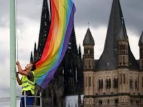 Homosexuelle Katholiken appellieren an deutsche Bischöfe