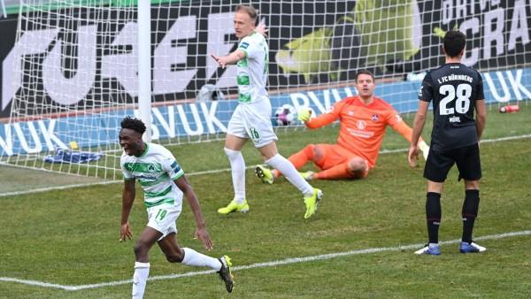 SpVgg Greuther Fuerth v 1. FC Nuernberg - Second Bundesliga