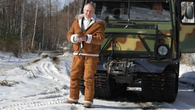 Russian President Putin takes holiday in Siberian taiga