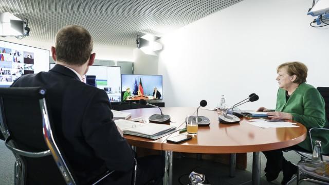 Corona in Deutschland: Kanzlerin Merkel bei den Beratungen von Bund und Ländern