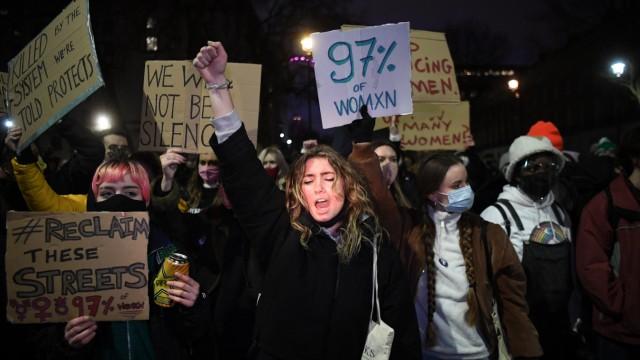 Femizid: Proteste in London nach dem Tod von Sarah Everard