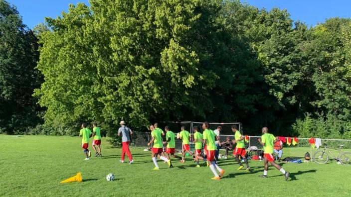 FC Mainaustraße Flüchtlingsmannschaft aus München-Aubing
