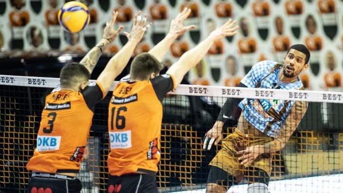 06.03.21, Berlin, Volleyball: 1.Bundesliga, Maenner, Hauptrunde, 20. Spieltag, BR Volleys - WWK Volleys Herrsching, Max-; herrsching berlin