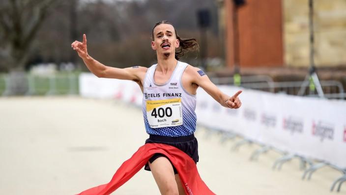 21.03.2021, xkaix, Leichtathletik Laufen, itelligence Citylauf Invitational - Dresden 2021 emspor, v.l. Simon Boch (LG T