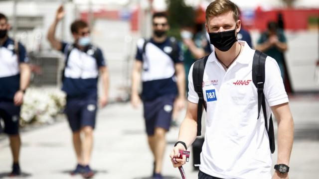 Formula 1 2021: Bahrain GP BAHRAIN INTERNATIONAL CIRCUIT, BAHRAIN - MARCH 26: Mick Schumacher, Haas F1 arrives during t