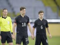 v.l. Leon GORETZKA (GER), Joshua KIMMICH (GER) Fussball Laenderspiel, WM Qualifikation Gruppe J Spieltag 1, Deutschland; Kimmich Goretzka