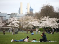 London Eases Into An Easing of Lockdown