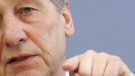 Wolfgang Clement hört derzeit aus Berlin nur Antworten von gestern. Bildung sei die Antwort für Morgen. Foto: ddp