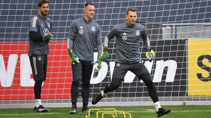 v.re., Torwart Manuel Neuer (Deutschland), Torwart Marc Andre ter Stegen (Deutschland), Torwart Kevin Trapp (Deutschland; Fußball