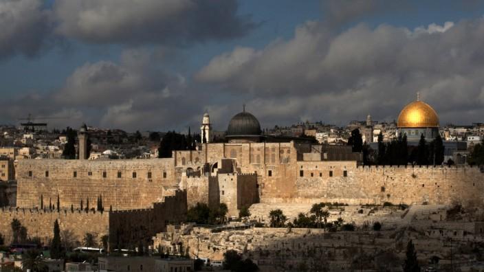 Israel: Diesen Blick auf Jerusalems Altstadt kennen und vermissen viele Israel-Reisende.