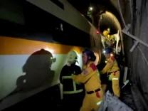 Taiwan: Mindestens 51 Tote bei schwerem Zugunglück