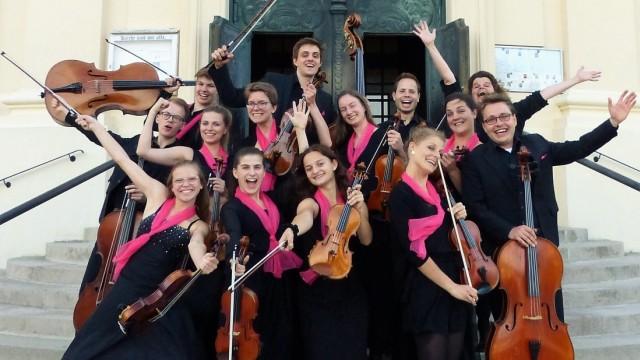 """Erding: Das Violinissimo-Kammerensemble hat 2019 den ersten Platz beim internationalen Wettbewerb """"Summa cum laude"""" in Wien gewonnen."""