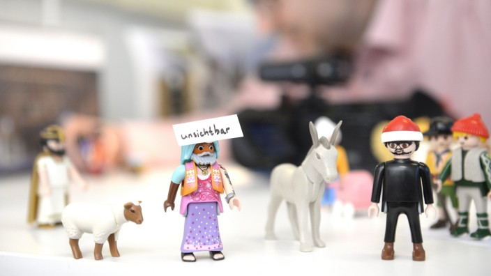 Michael Sommer dreht Videos mit Playmobil-Figuren