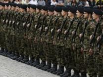 """Schweizer Armee: """"Ja, wir lassen ab Mitte April neue Unterwäsche für Soldatinnen testen"""""""