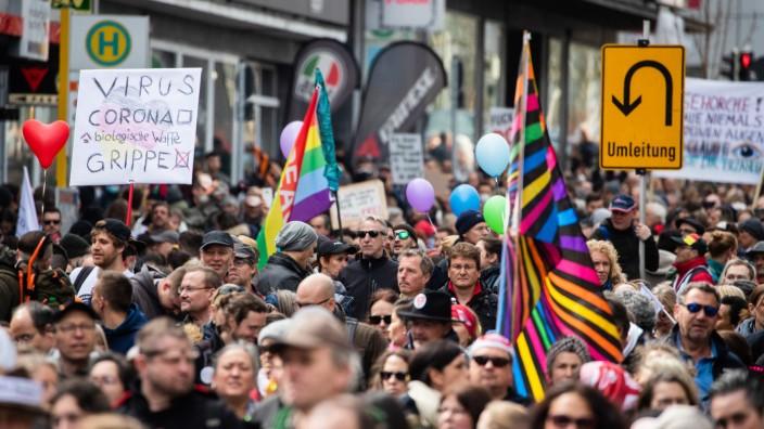 "Demonstrationen der Initiative ´Querdenken"" in Stuttgart"