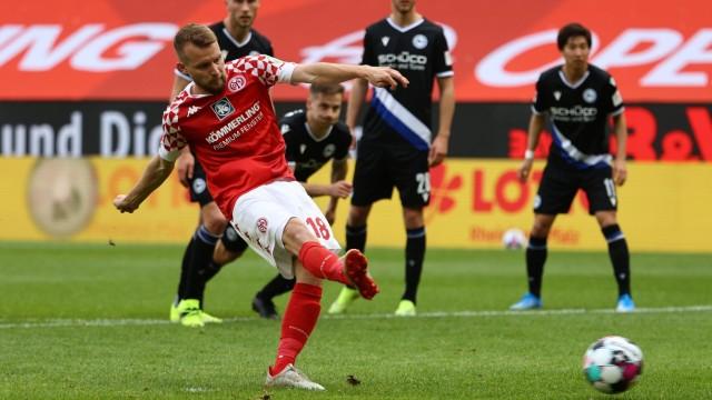 Bundesliga - 1. FSV Mainz 05 v Arminia Bielefeld