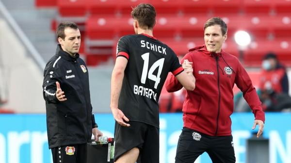 Bayer 04 Leverkusen v FC Schalke 04 - Bundesliga