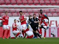 1. FSV Mainz 05 v DSC Arminia Bielefeld - Bundesliga