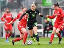VfL Wolfsburg v FC Bayern München - Women's DFB Cup Semi Final