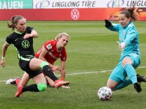 Pokal HF: VfL-Frauen vs Bayern München Fußball, Frauen, Saison 20/21, DFB-Pokal, Halbfinale, VfL Wolfsburg vs FC Bayern