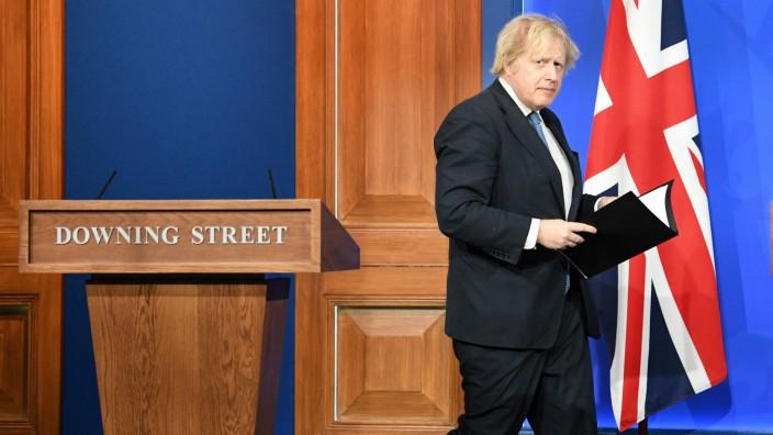 Großbritannien: Premier Boris Johnson bei einer Pressekonferenz