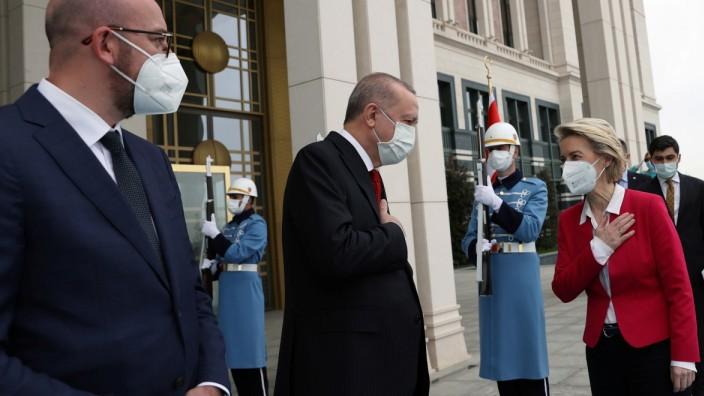 EU-Treffen mit der Türkei: Recep Tayyip Erdoğan empfängt Ursula von der Leyen und Charles Michel