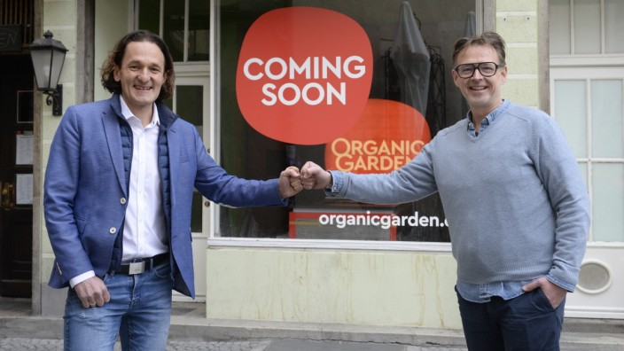 Neueröffnung Organic Garden, 2021: Koch Holger Stromberg (rechts) und Geschäftsführer Martin Wild