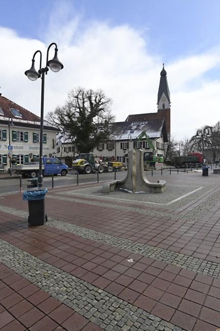 Ortsgestaltung: Im Pullacher Gemeinderat herrscht Uneinigkeit, wie der Kirchplatz künftig aussehen soll.