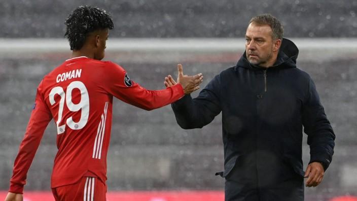 FC Bayern München: Trainer Hansi Flick und Kingsley Coman nach dem Spiel gegen PSG