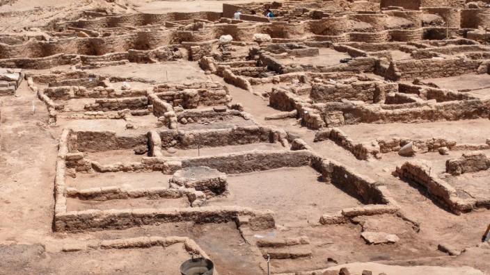 """Archäologie: 3000 Jahre alte """"verlorene Stadt"""" in Ägypten entdeckt"""