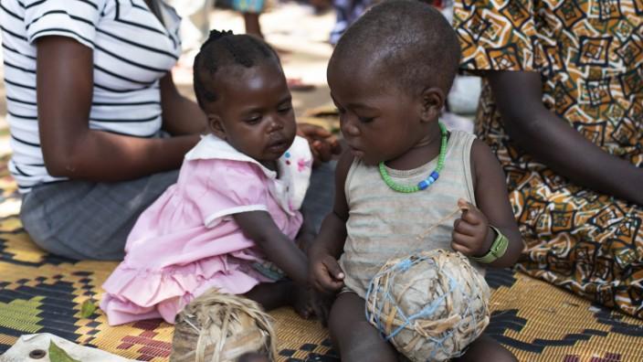 Spielzeuge Kinder Unicef Eric Alain Ategbo