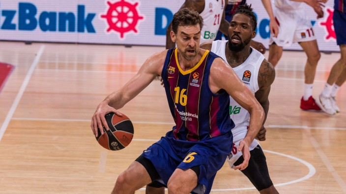 April 9, 2021, Barcelona, Barcelona, Spain: Pau Gasol of FC Barcelona, Barca in action against Jalen Reynolds of FC Bay