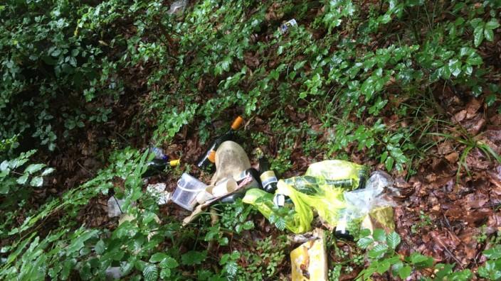 Müll an Badeplätzen