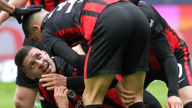 Football: Bundesliga - day 28: Eintracht Frankfurt v VfL Wolfsburg