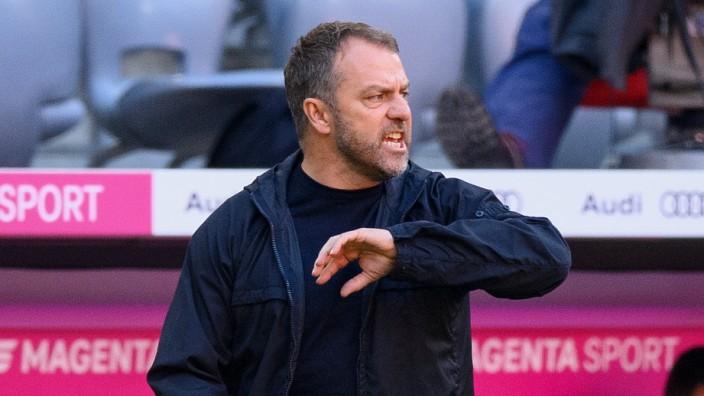 FC Bayern München: Trainer Hansi Flick beim Bundesliga-Spiel gegen Union Berlin