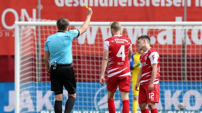 11.04.2021 - Fussball - Saison 2020 2021 - 2. Fussball - Bundesliga - 28. Spieltag: FC Würzburger Kickers FWK - 1. FC Nü
