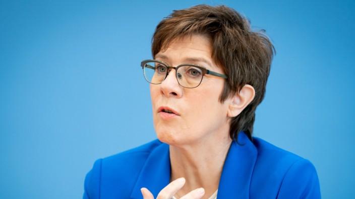 Bundesverteidigungsministerin Kramp-Karrenbauer