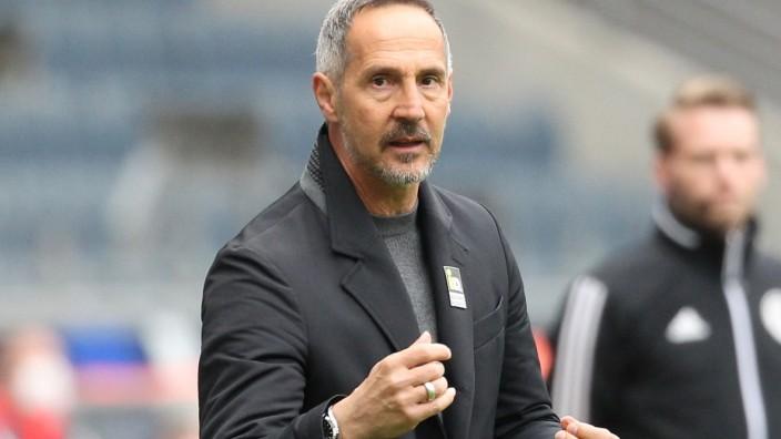 Bundesliga: Trainer Adi Hütter beim Spiel Eintracht Frankfurt gegen VfL Wolfsburg
