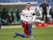 04.04.2021, HDI-Arena, Hannover, Ligaspiel, 2. Bundesliga, Hannover 96 vs Hamburger SV, im Bild Bobby Wood (11, HSV) kni