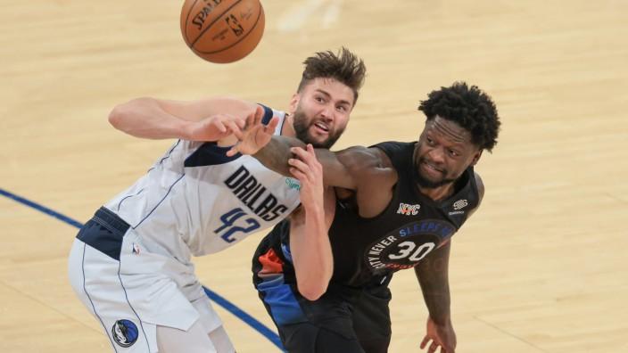 NBA: Maxi Kleber beim Spiel Dallas Mavericks gegen New York Knicks