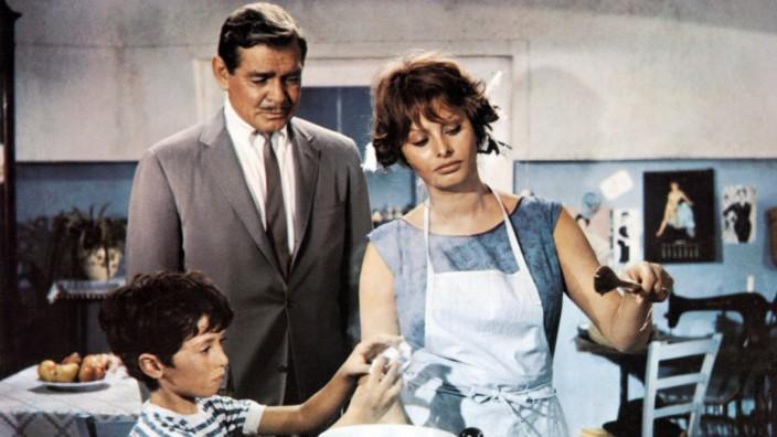 Marietto, Clark Gable & Sophia Loren Characters: Nando Hamilton, Michael Hamilton, Lucia Curcio Film: It Started In Napl