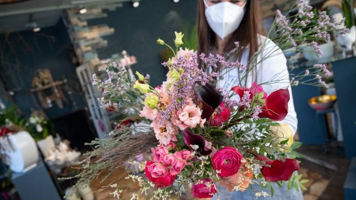 Coronavirus in Deutschland: Blumengeschäft in Stuttgart während der Corona-Pandemie