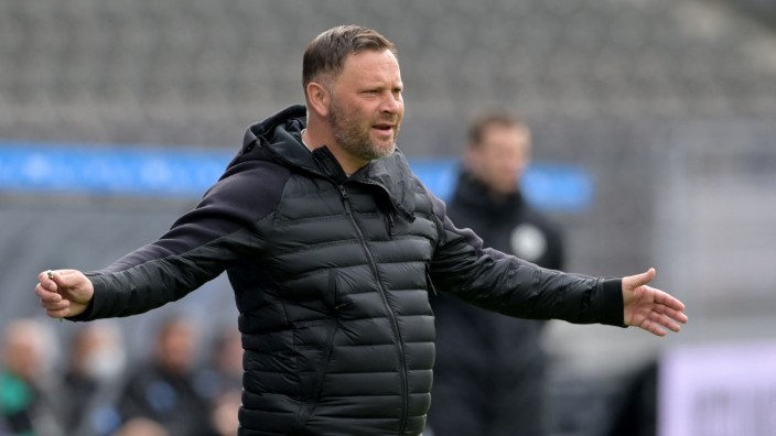 Football: Bundesliga - day 28: Hertha Berlin v Borussia Moenchengladbach